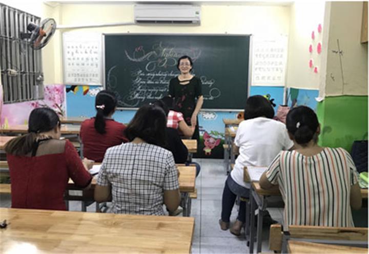 Trung tâm luyện chữ đẹp Việt Linh: Thổi hồn vào từng nét chữ