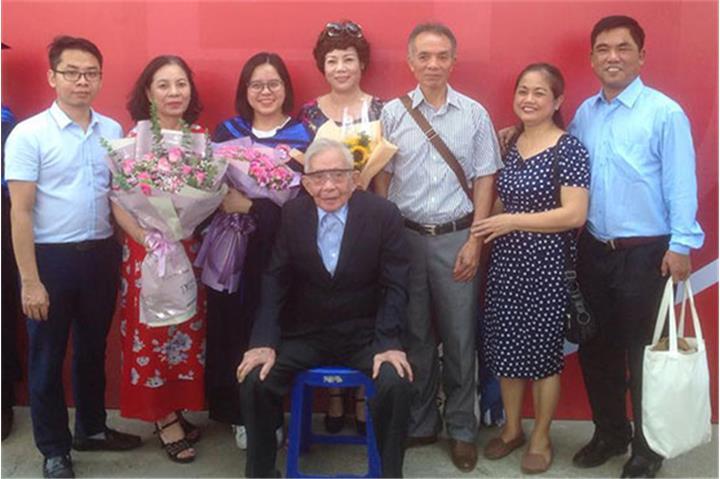 Bác sĩ 75 năm tuổi Đảng