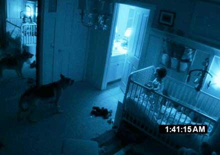 """""""Paranormal Activity 2"""" cũng là bộ phim kinh dị hút khách dịp Halloween.  Ảnh: Paramount."""