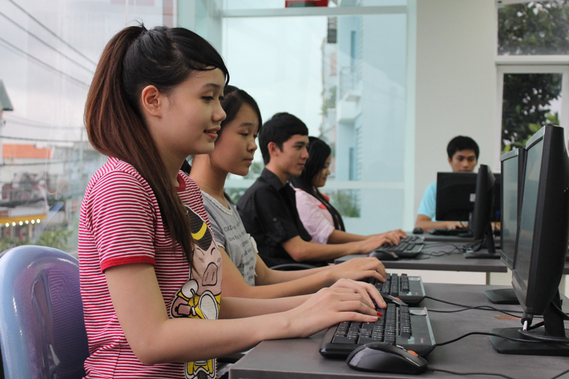 Năm 2015, nên theo học ngành gì để ra trường dễ kiếm việc ?
