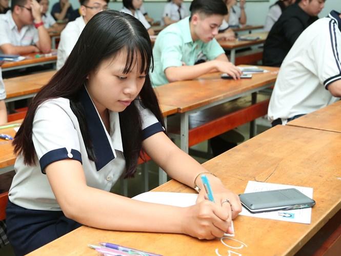 Thay đổi hình thức thi ảnh hưởng rất lớn tới học sinh /// Ảnh: Đ.N.T