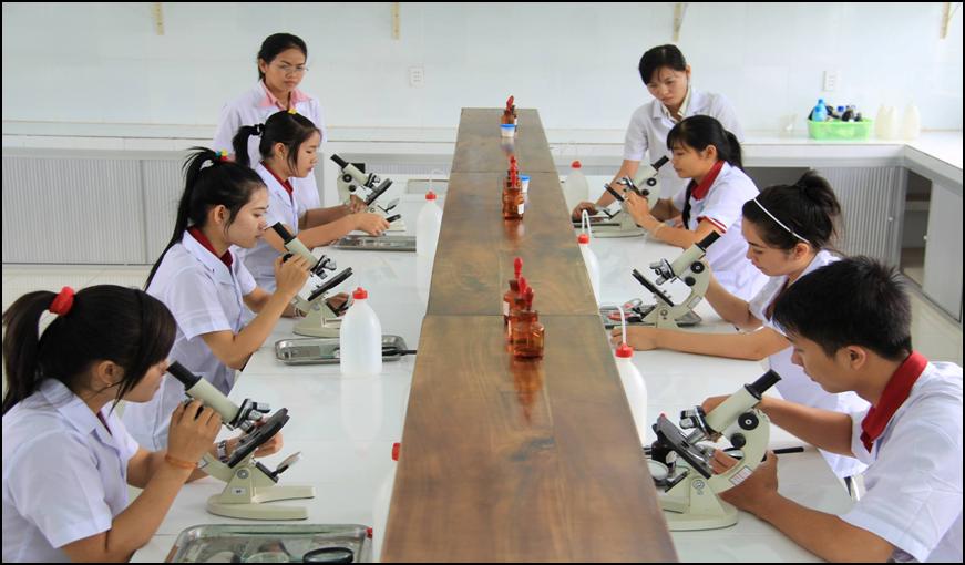 Trường Bách Khoa Sài Gòn: ngành chăm sóc sức khỏe và sư phạm mầm non thu hút bạn trẻ