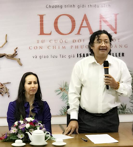 Tổng Biên tập NXB Trẻ Nguyễn Minh Nhật cùng tác giả Isabelle Müller trong buổi ra mắt sách