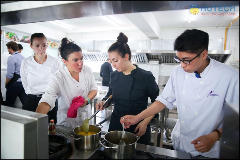 Học 1 năm lấy bằng Cử nhân Quản trị nhà hàng của ĐH Pháp ngay tại Việt Nam