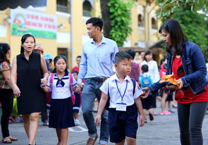 Cha mẹ dạy con từ chính những hành vi, ứng xử của họ trong cuộc sống /// Ảnh: Ngọc Dương