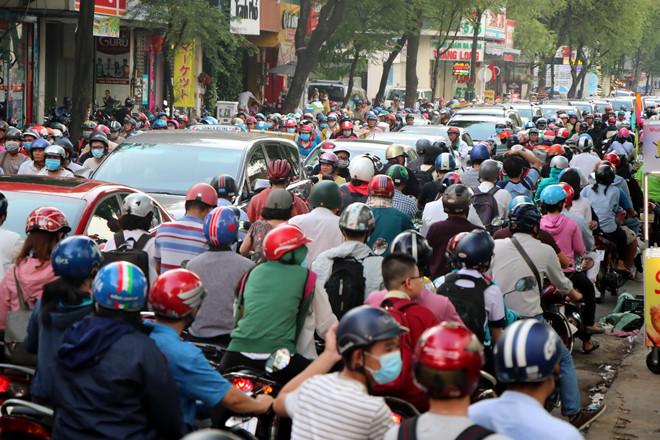 Đến 2030, TP.HCM cấm xe máy vào nội đô - ảnh 1