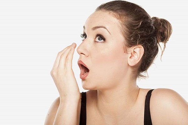 Nếu chế độ ăn ít kẽm, bạn có thể cảm thấy xuất hiện mùi khó chịu trong miệng.