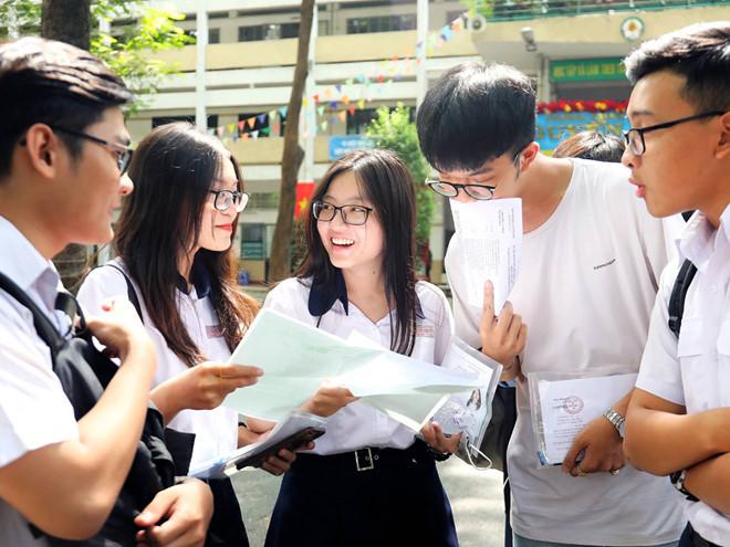 Thí sinh tham dự kỳ thi THPT quốc gia 2019 /// Ngọc Dương