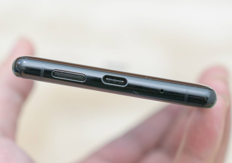 Smartphone đầu tiên có màn hình OLED 4K