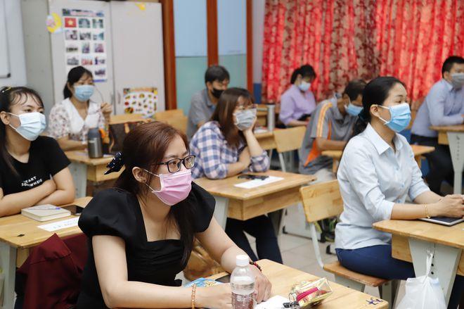 Giáo viên tại TP.HCM tham gia hội thảo chọn sách giáo khoa lớp 2   /// ẢNH: Đ.N.T